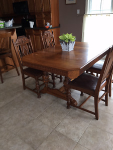 Dining Table - solid wood - Krug Brothers