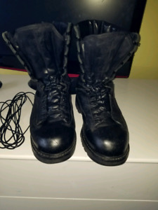 Army cadet combat boots mens size 10 in great shape