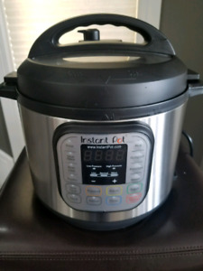 Instant Pot - 7 in 1 Multi use pressure cooker