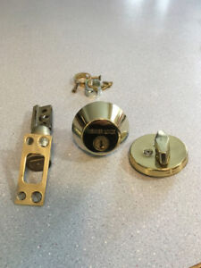 Weiser Lock Dead Bolt. Used in great shape.