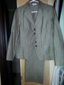 Frank Walder 2 pce suit