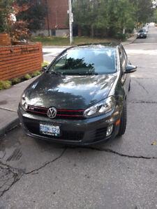 2010 Volkswagen GTI Hatchback - Navigation - Leather