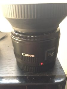Canon 50mm perfect condition w/ lens hood