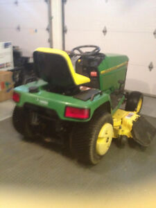 Heavy Duty JohnDeere 425 Lawntractor with add ons