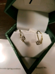 Gold diamond earings