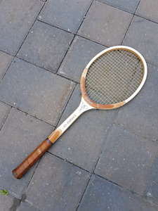Vintage Wilson Lady Advantage Tennis Racquet (Good Condition)