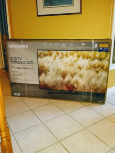 BRAND NEW IN BOX 58 inch SAMSUNG 4K SMART TV