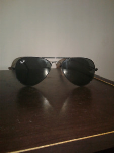 Authentic Ray-Ban Aviator mat black shades/sunglasses for sale