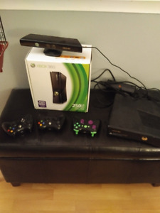 Xbox 360, Kinect and 3 controllers and 18 games