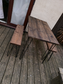 Scaffold table with 2 bench seats on hair pin legs
