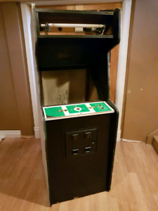 Arcade Cabinet   Great For Mame Or ?