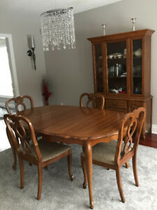 Exceptional 1960u0027s French Provincial Dining Room Set