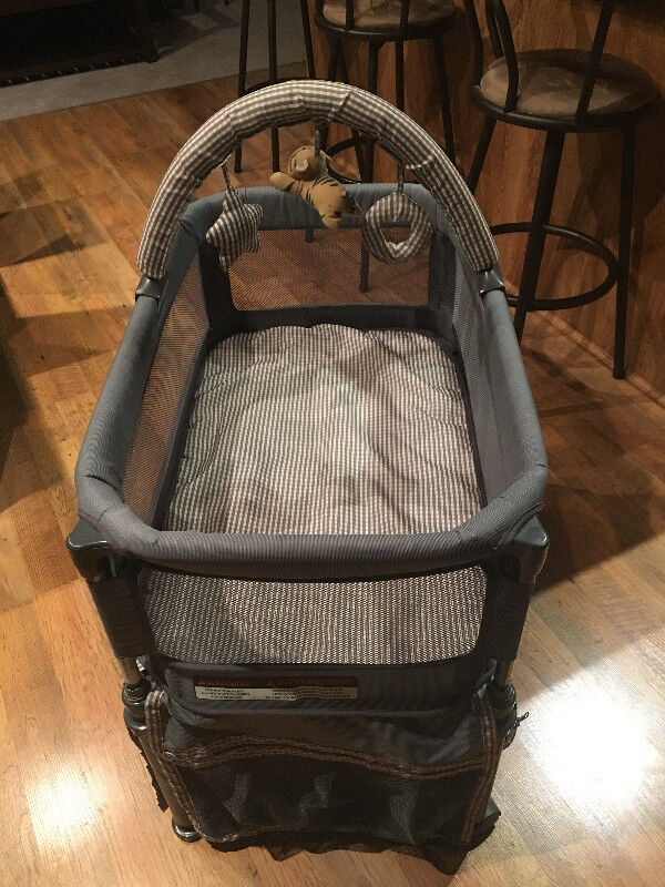 Safe Surround Portable Bassinet Round Designs
