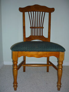 Wooden Antique King George Chair : Exc Condition:Clean:SmokeFree