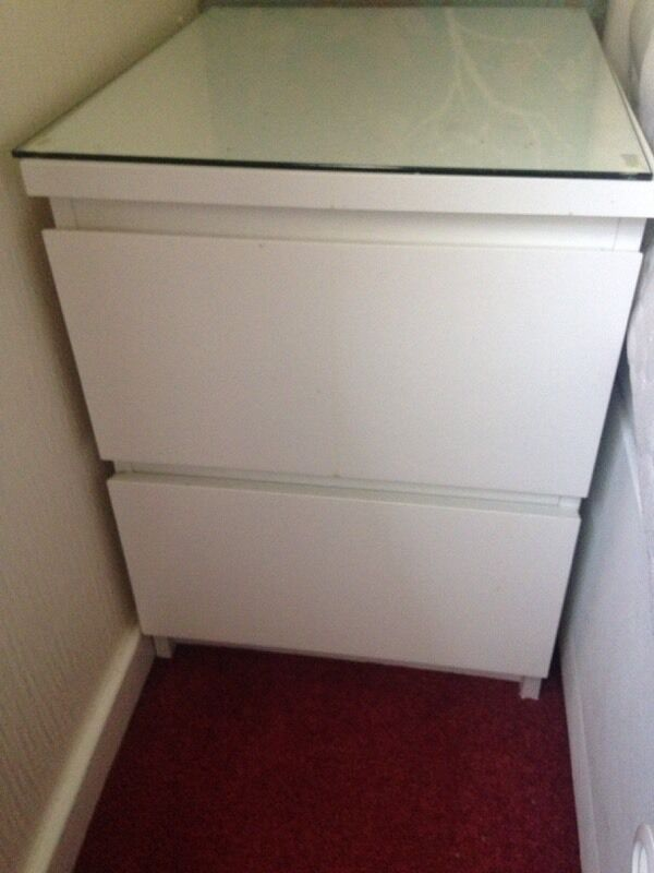 Ikea White Malm Bedside Table Including Glass Top In Southside & malm bedside table white u2013 Loris Decoration