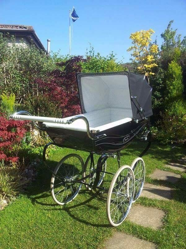 Silver Cross Black Balmoral Coachbuilt Pram with apron sun canopy u0026 traditional changing bag : sun canopy for silver cross pram - memphite.com