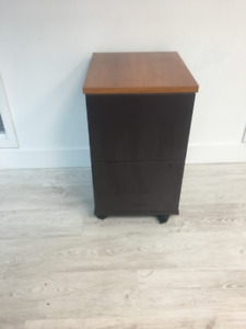 2 Drawer Lateral File Cabinet   Mint Condition GLOBAL