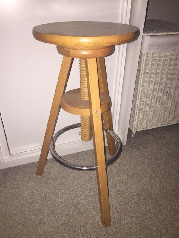 Wooden Artist Stool Adjustable