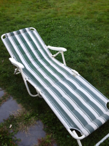 full length outdoor lounge chair