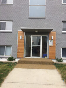 Perfect Now Or Jan 1  Beautiful Large Bright 2 BR Apt Near University
