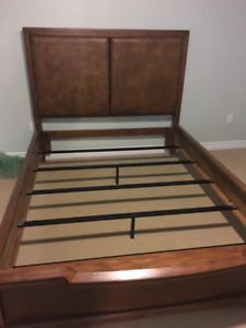 U201cSt.Jacobs Furniture Houseu201d Solid Bed.