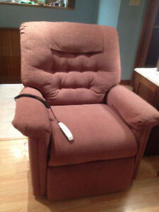 Lift chair / recliner - Pride brand - excellent condition & Recliner | Buy or Sell Chairs u0026 Recliners in Moncton | Kijiji ... islam-shia.org