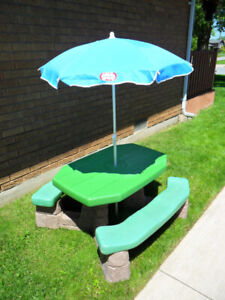 STEP 2 Naturally Playful Kids Picnic Table / Chairs u0026 Umbrella & Step2 Table And Chairs | Kijiji in Ontario. - Buy Sell u0026 Save with ...