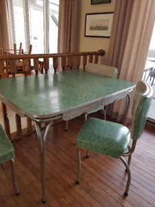 retro arborite table and 3 chairs arborite table and chairs   kijiji in alberta    buy sell  u0026 save      rh   kijiji ca