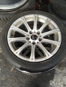 4 Mags 17'' Bmw série 328 avec pneus hiver 205-50-17