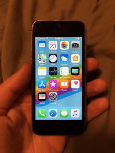 16GB iPhone SE — Factory Unlocked — Very Good Condition!