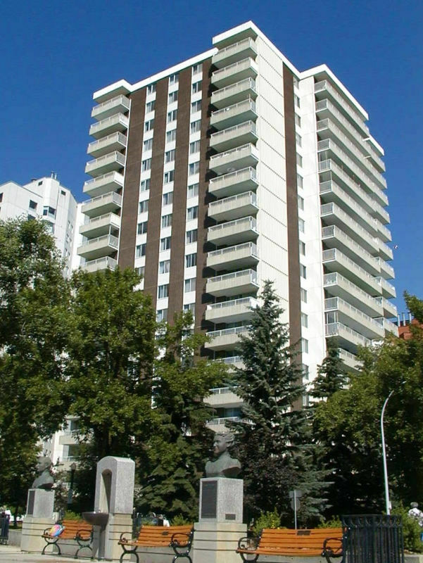 1 Bedroom Downtown Edmonton Apartment For Rent (The ...