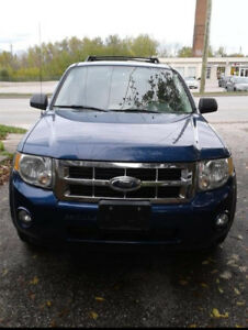 FORD ESCAPE FOR SALE.  I'm asking for $7,000 or best offer.