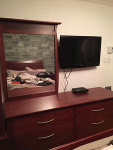 Queen bed set complete , hard wood , made in Canada, MINT !!