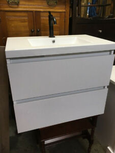 Wall-Hung Vanity, Counter Top and Faucet