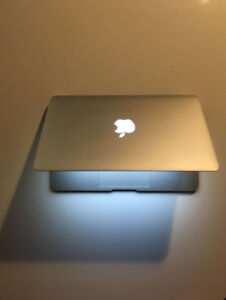 MacBook Air 11.6 inch, intel i7, RAM 8 GB