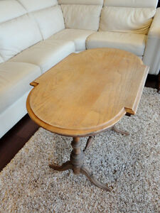 Vintage 1940's Oval Hallway Table in solid decent shape Kitchener / Waterloo Kitchener Area image 3