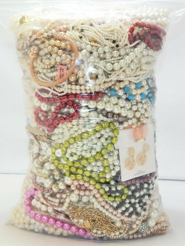 1/2 pound lot of costume pearl jewelry $10.00 includes shipping