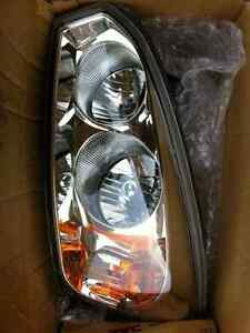 Brand New 04-07 Chevy Malibu Headlights