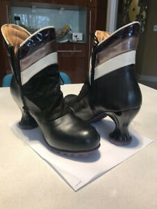 Copernicus ankle boots with lace by John Fluevog-Size 9