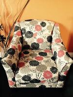 Unique custom captains chair in mint condition!!