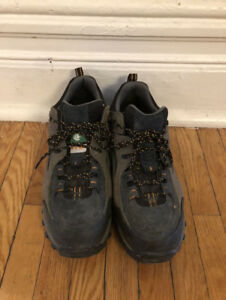 Like New Timberland Pro low top steel toe work boot size 9