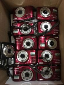 Un lot d'appareils photo Nikon original