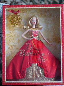 Barbie Holiday 2014 Collector Doll with Ornament NEW London Ontario image 4