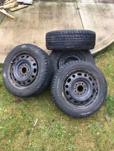 Dunlop winter tire 195/55/r15 with 5 bolt rims