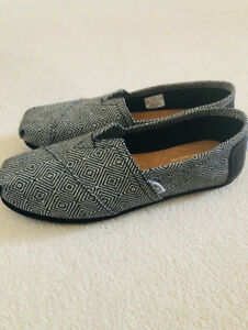 Black and white Toms shoes for sale