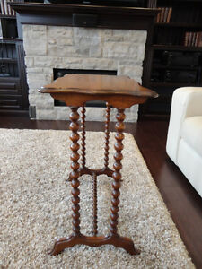 Antique Early 1900's Spool Leg Side Table - Lovely Patina Kitchener / Waterloo Kitchener Area image 3