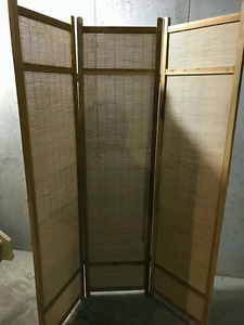 (BEST OFFER!!!) Beautiful Wood Divider in Excellent Condition