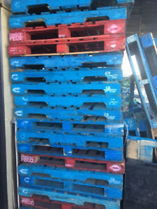 Wanted: Free blue or red pallets (the good ones)