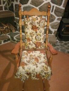 Chaise bercante en très bonne condition