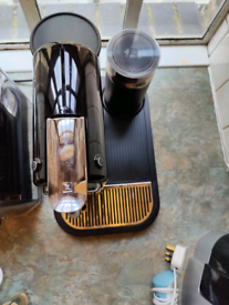 Nespresso by Magimix Citiz & Milk frother Black.